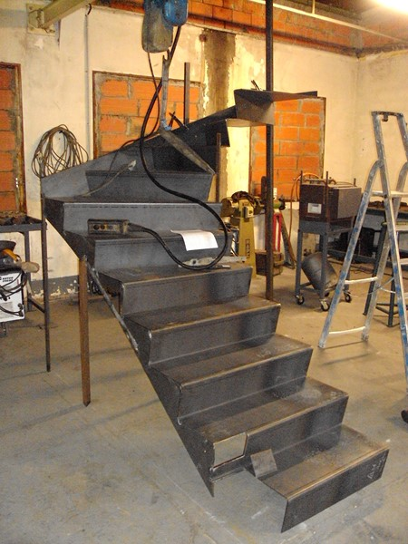 escaliers et rampes atelier saint frumens. Black Bedroom Furniture Sets. Home Design Ideas